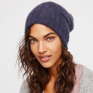 Head In the Clouds Fuzzy Beanie✨